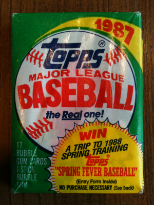 Topps Pack Outside