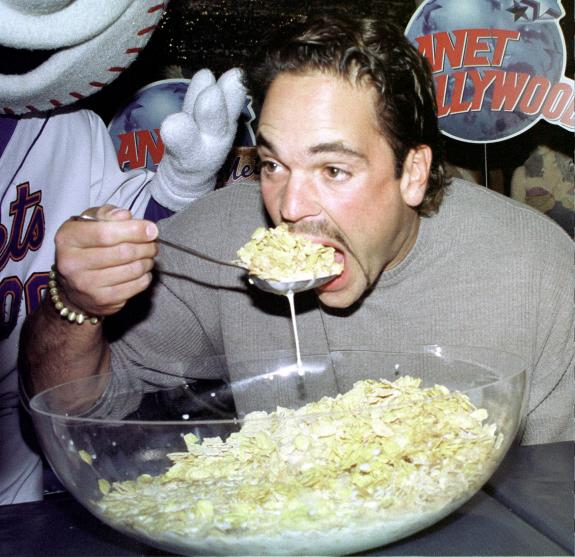 mike piazza eating cereal