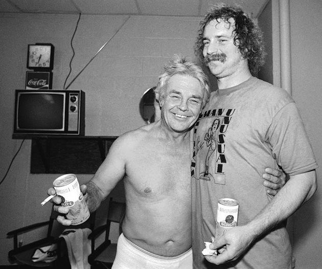 Earl-Weaver-beer-cigarette-shirtless