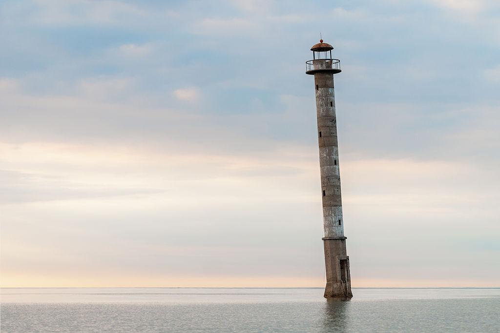 Kiipsaare leaning lighthouse